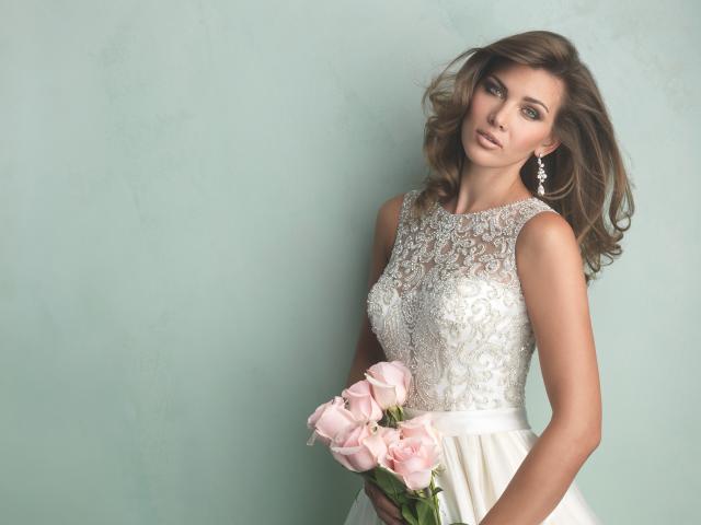 Szukasz wyjątkowej, eleganckiej a zarazem oryginalnej sukni ślubnej ...