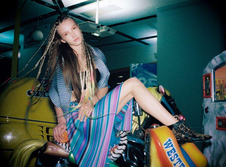 Oyster Fashion: 'Sheen' Shot By Léo Berne | Fashion Magazine | News. Fashion. Beauty. Music. | oystermag.com