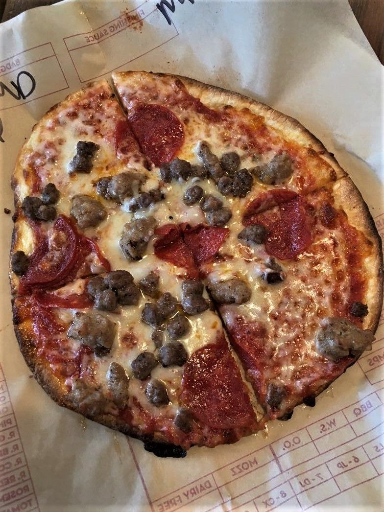 Have It Your Way At Mod Pizza A Review Artsy Chow Roamer In 2020 Pizza Recipes Dough Fresh Sauce Food