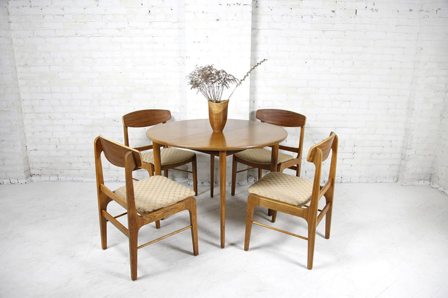 Take a Seat at One of These 8 Dining Tables Available on Bazaar