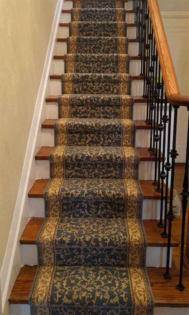 23 Splendid Stairs Runner Ideas for Your Castle Stair