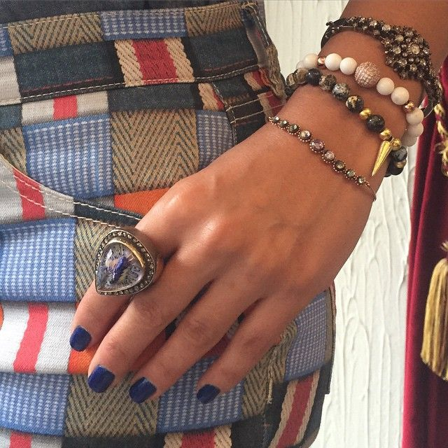 Monday style!  #atelierminyon #luxurygonewild #embraceyourshadow #blueeverything #ring #bracelet #toryburch #bluenails #happymonday #soho #jewelryset #bestoutfit
