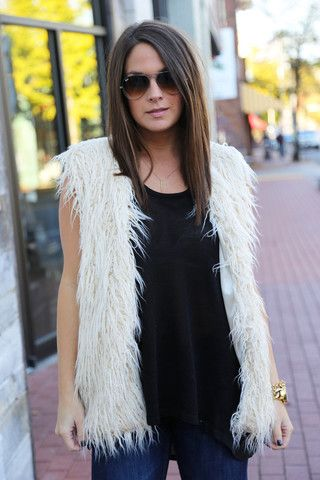 Miss Royal Vest {Cream}