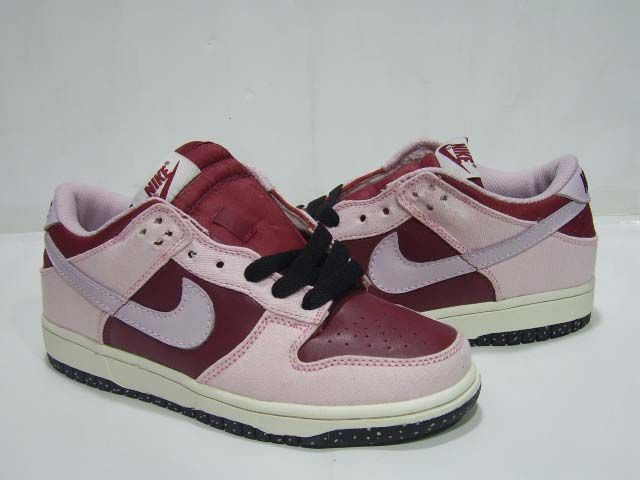 cheap for discount 2f1f3 74efa Women Jordan Shoes -jordan shoes for women Women Nike Dunk SB 116 pink red  Women Nike Dunk SB - Cheap and discounted Dunks Nikes pink and red.