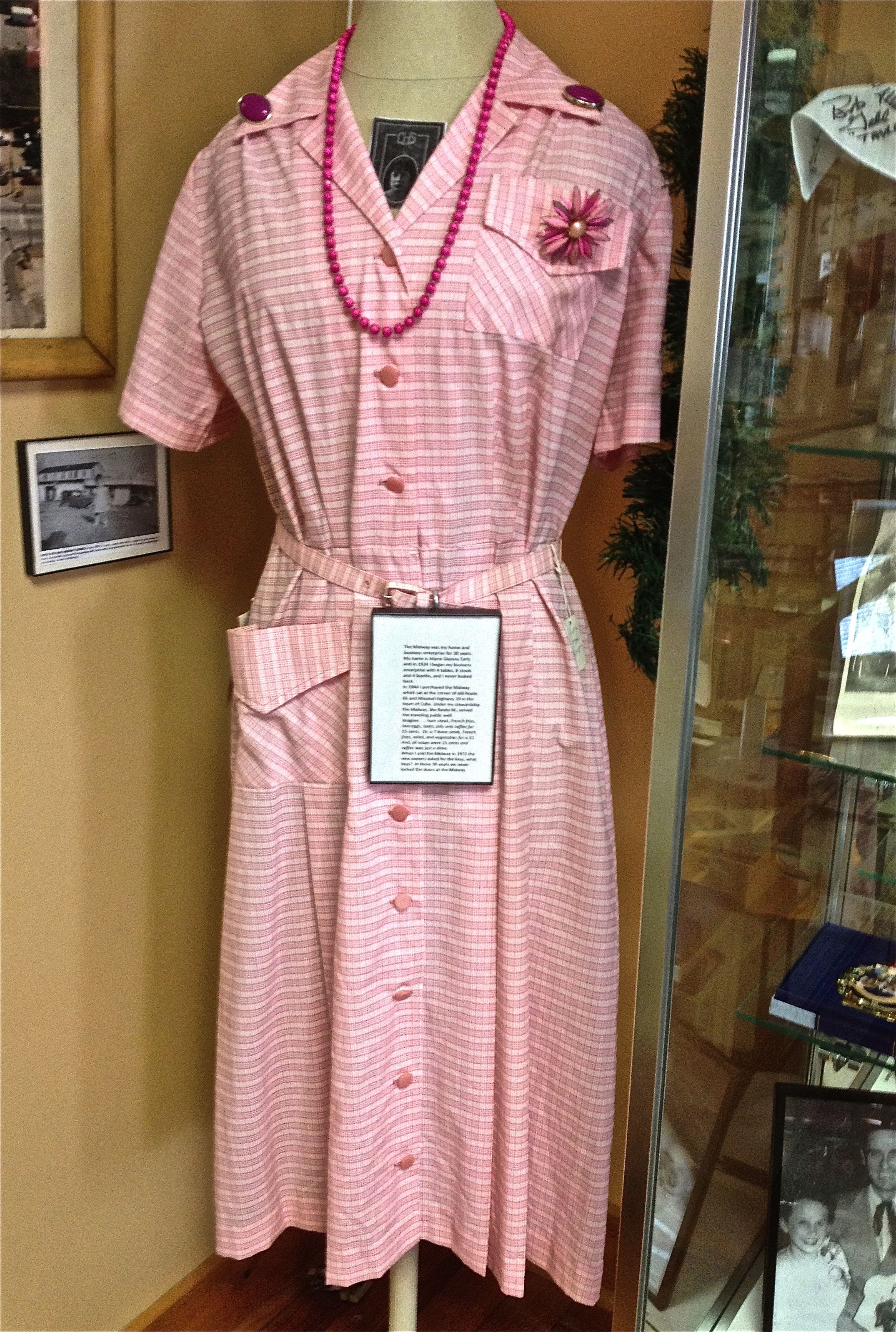 motel uniforms 1950s - Google Search | Mountaintop Research | Pinterest