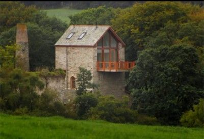 Grand Designs Uk 11x06 Engine House Cornwall Love The Cantilevered Deck And The Gorgeous Stonework Http Www Grand Designs Uk Grand Designs Engine House