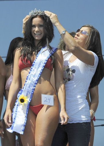 bikini-party-and-the-winner-is