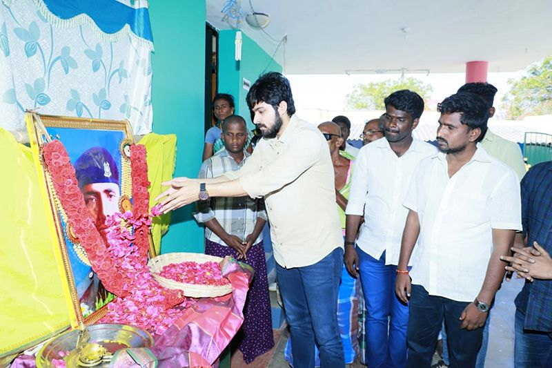 Actor Harish Kalyan paid respect to Martyr Subramanian tomb in Thoothukudi