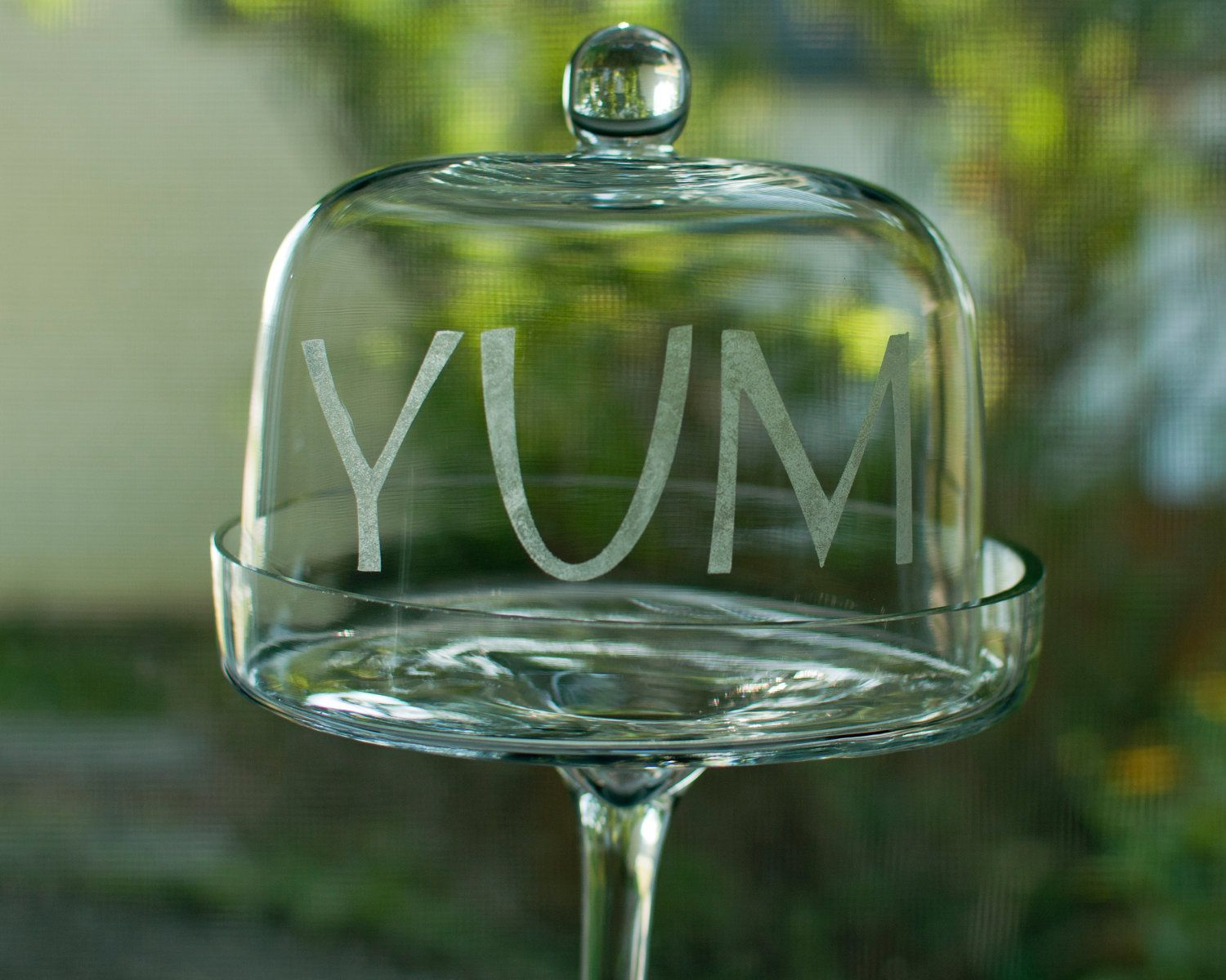 Etched yum glass stand with dome lid pedestal cake circle