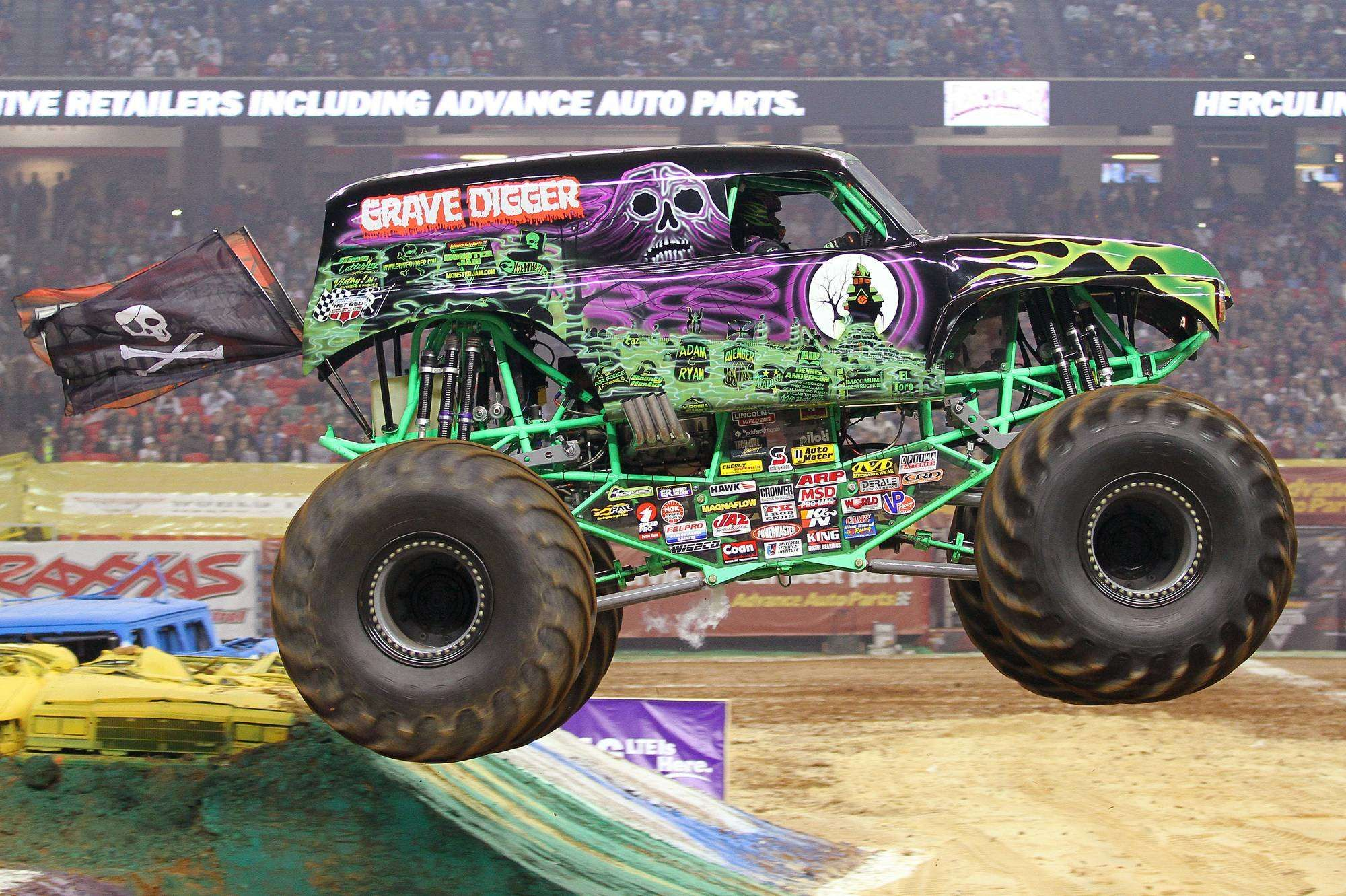 Grave Digger Monster Truck Wallpaper Http Hdwallpaper Info Grave Digger Monster Truck Wallpaper Hd Wallpapers Monster Trucks Mud Trucks Trucks