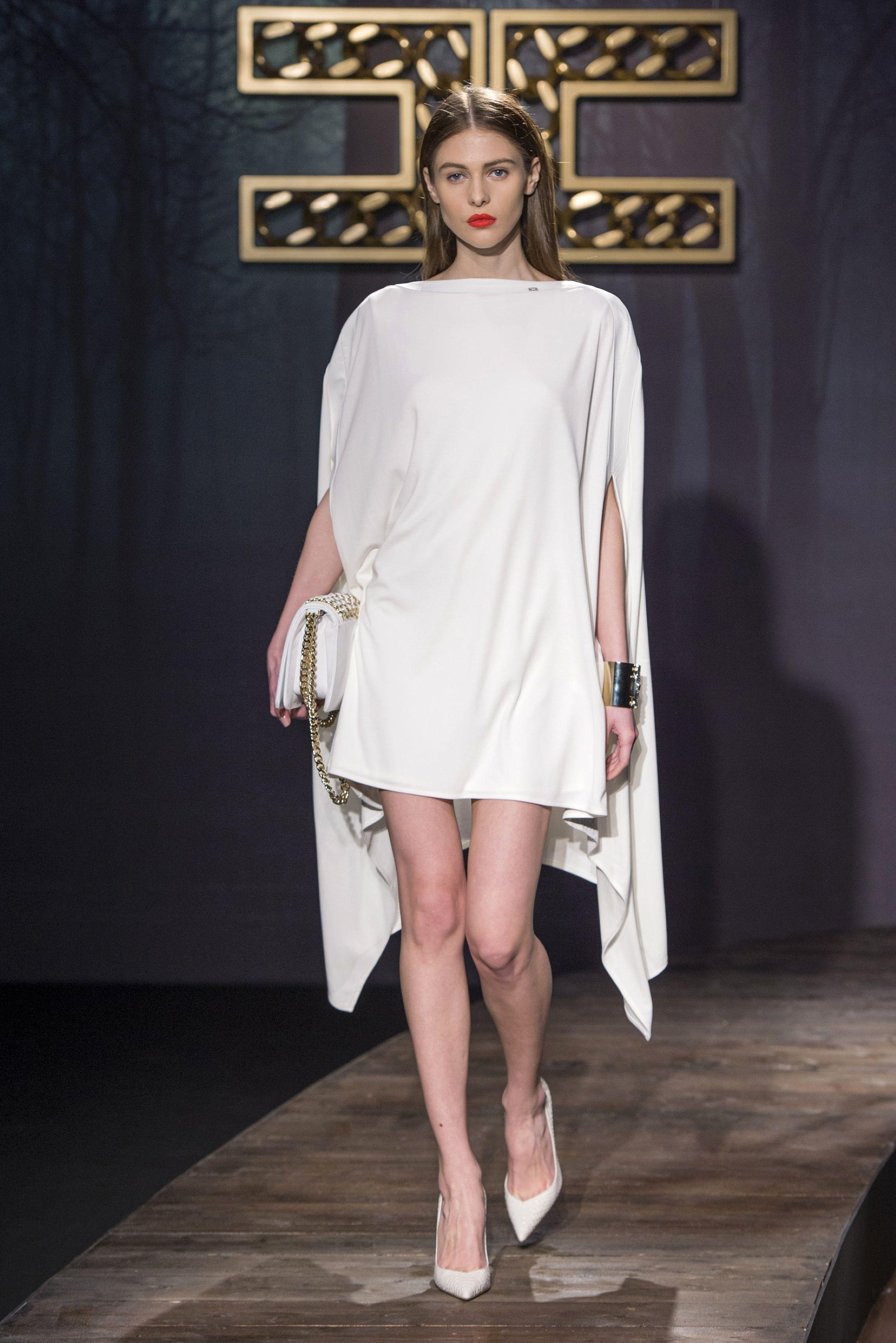 b071acf7af87 Sfilata Elisabetta Franchi Milano - Collezioni Autunno Inverno 2014-15 -  Vogue