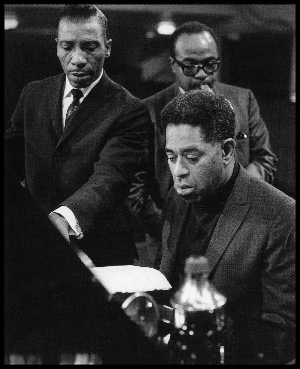 simplybek:    T-Bone Walker, Dizzy Gillespie and James Moody, UK 1966