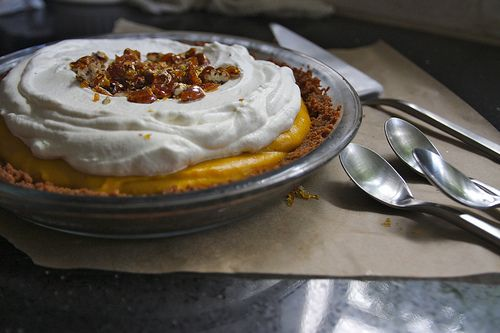 Pumpkin Pie with Pecan Streusel – Vegan and Crustless options