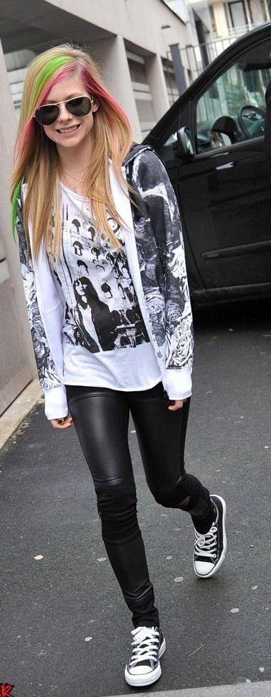 Avril Lavigne Attire
