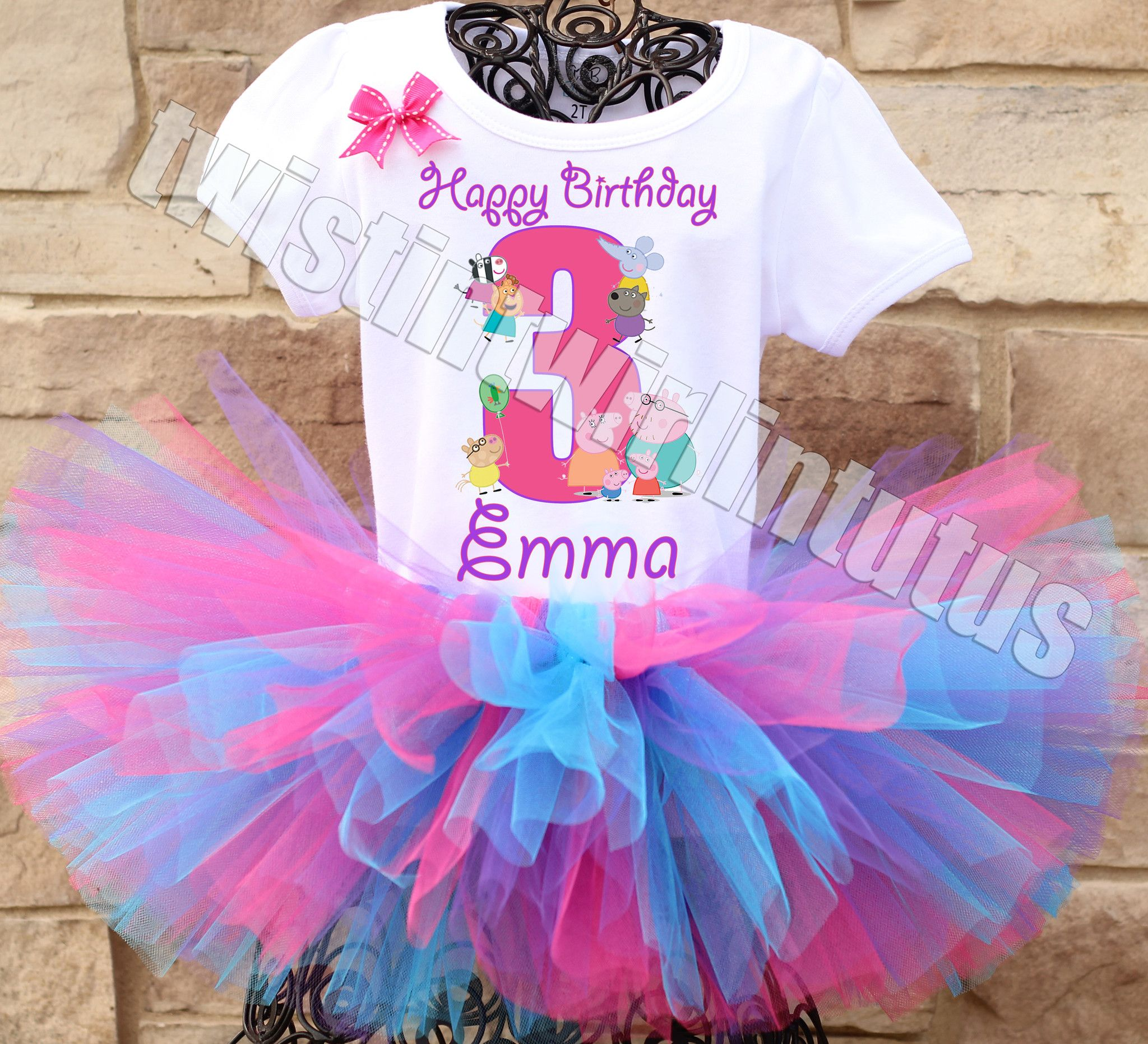 Peppa Pig Birthday Party Ideas | Peppa Pig Birthday Outfit | Peppa Pig Birthday Shirt | Peppa Pig Family Shirts | Birthday Party Ideas for Girls | Twistin Twirlin Tutus #birthdaypartyideas #peppapigbirthday  http://www.twistintwirlintutus.com/products/peppa-pig-birthday-outfit-2