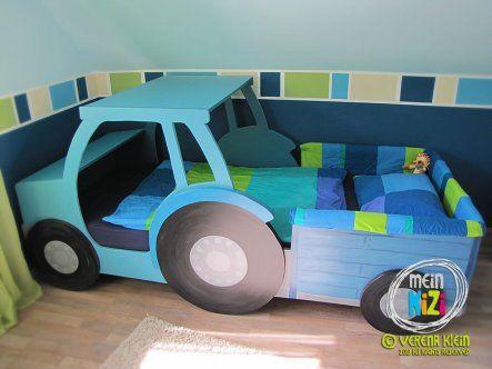 Kinderbett junge selber bauen  Das Traktorbett haben wir aus MDF-Platten selbst gebaut und ...
