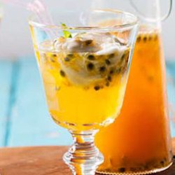Naartjie and passion fruit cordial