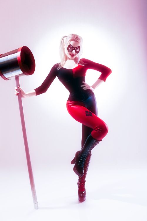Harley Quinn Cosplay http://geekxgirls.com/article.php?ID=1623