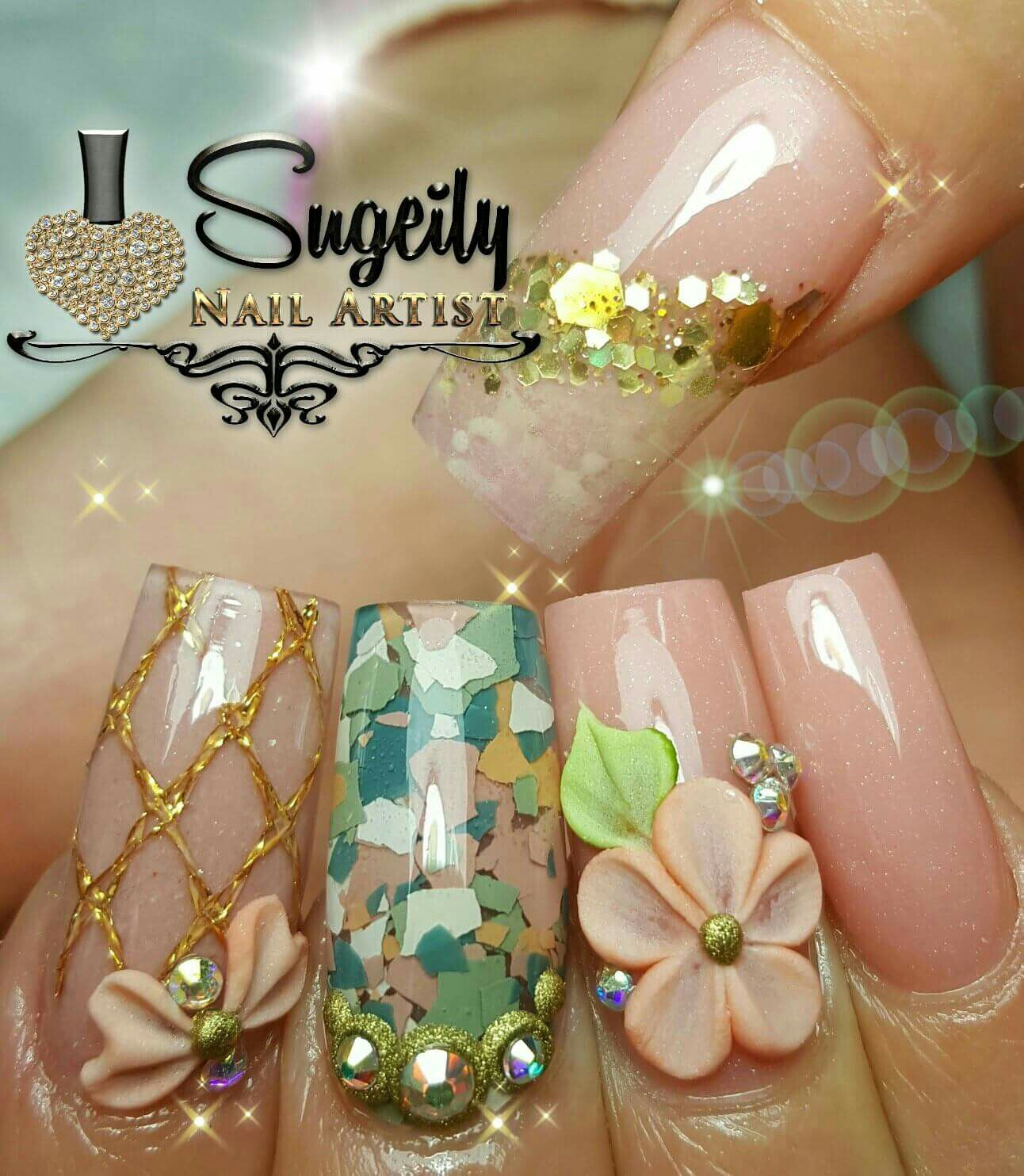 CONFETTI! So liking this nail art with confetti and 3d flowers ...