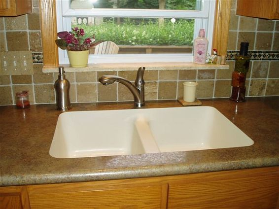 Undermount In Laminate Counter Will Replace With Quartz Not My
