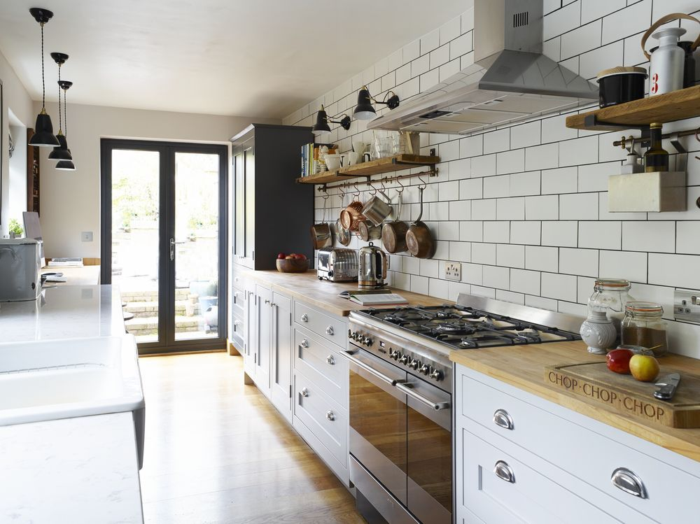 Best This Shaker Style Galley Kitchen Merges Vintage With 640 x 480