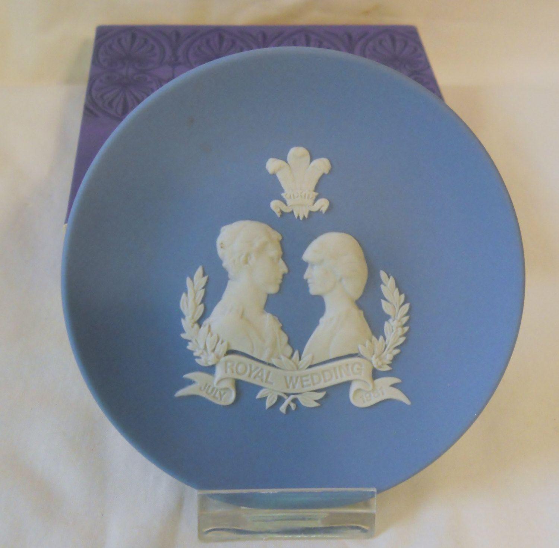 Wedgwood Jasper Blue CHARLES /& DIANA ROYAL WEDDING 1981 ROUND TRAY