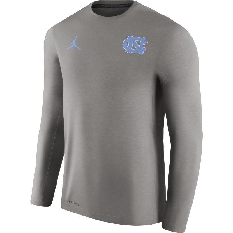 Jordan Men's North Carolina Tar Heels Heathered Grey Football Coach Dri-FIT Touch Sideline Long Sleeve Shirt