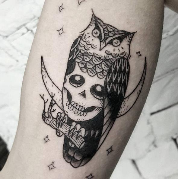 Owl Skull By Jwcandlish Done At Inkandwatertattoo Tattoo Blackandwhite Blackwork Tinytattoos Tiny Black Small Tattoos Tiny Tattoos Tattoo Shop