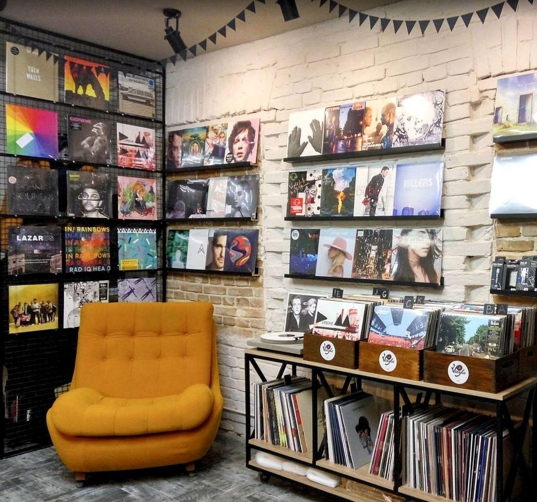 "@vinylradar on Instagram: ""UKRAINE Kyiv • Vinyla Shop – Vinyl Music Corner • #nowspinning #vinilo #vinyl #vinilos #vinyljunkie #vinyligclub #vinyladdict #vinile…"""