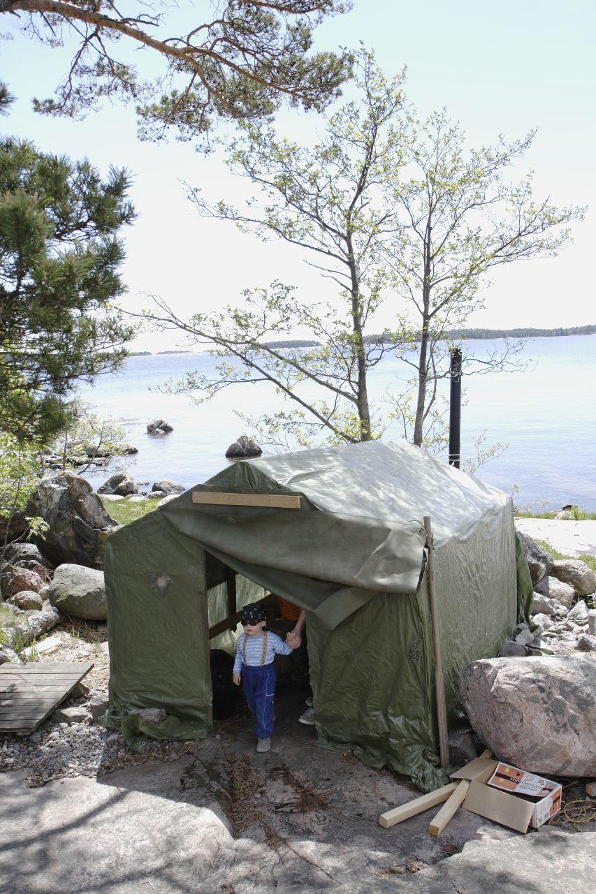 Finnish Tent Sauna. Itu0027s a bummer that no one sells these in the U.S. & Finnish Tent Sauna. Itu0027s a bummer that no one sells these in the ...