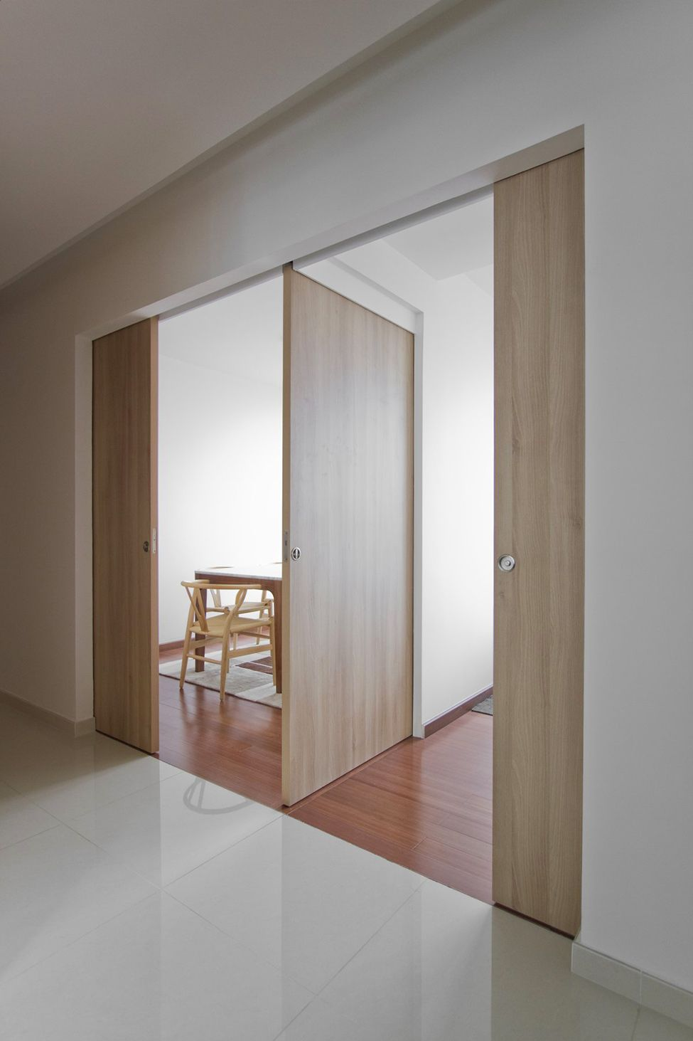 Architect S Home In Singapore Natura Loft Apartment By Ao Studios Reformas Sliding Doors Sliding Barn Door Hardware Cavity Sliding Doors