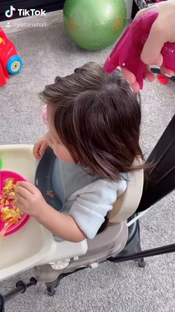 Cute And Easy Hairstyle For Toddlers Video In 2021 Girl Hairstyles Hair Styles Cute Hairstyles
