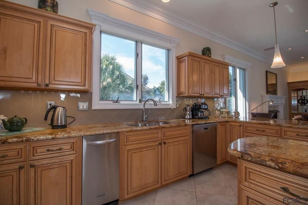 2 Via Verona Palm Coast Fl 32137 Kitchen Cabinets Home Decor Home