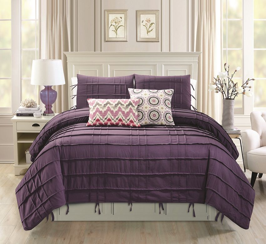 Cyra In Plum Comforter Sets By Hallmart Collectibles