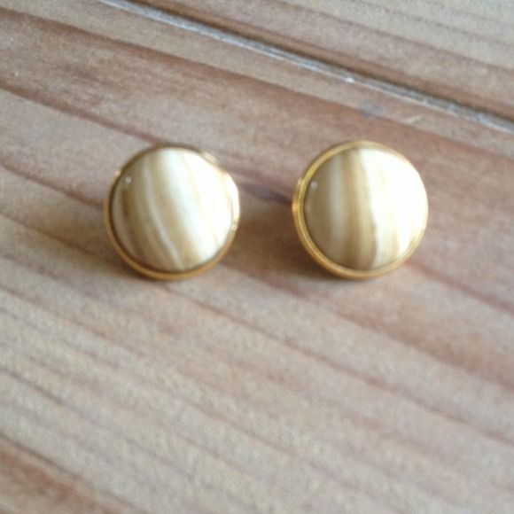 ❤️HOST PICK❤️ 6/8 Brown and white button earrings Cute button style earrings. Was a gift and Not worn. Brown and ivory swirled stone. Jewelry Earrings