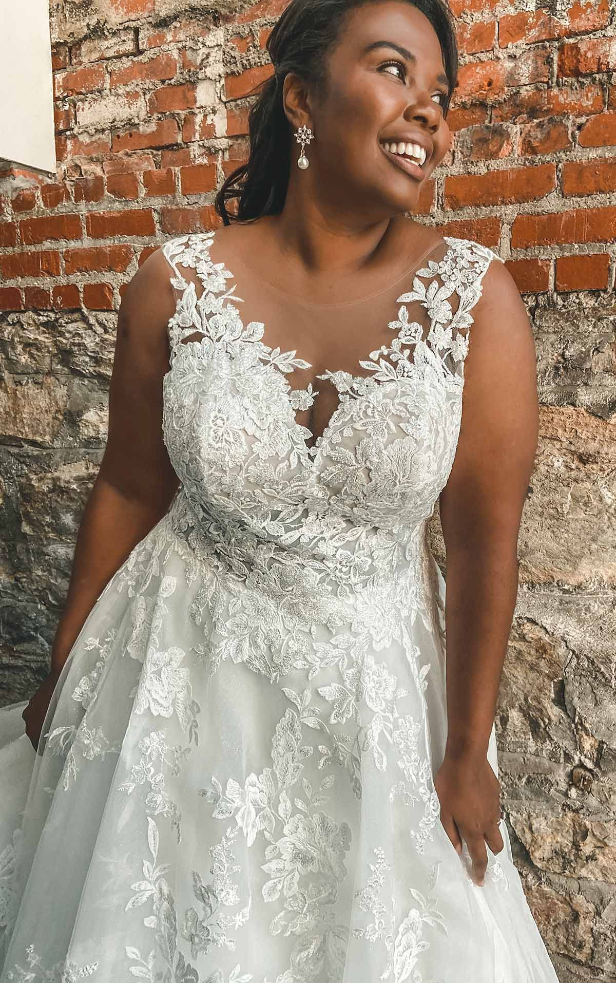 Lace A Line Plus Size Wedding Dress With Long Sleeves Michelle S Bridal And Tuxedo In 2021 Curvy Wedding Dress Long Sleeve Wedding Dress Lace Wedding Dresses [ 1914 x 1200 Pixel ]