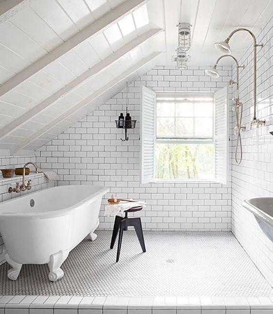 Trends Diy Decor Ideas  Carrelage metro dans une salle de bain avec
