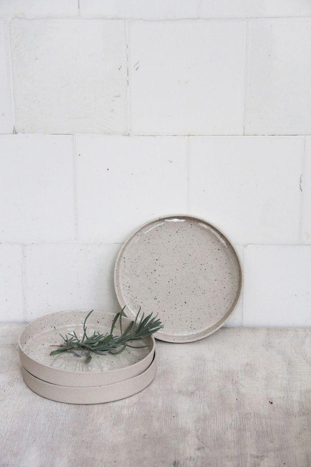 teller mit hohem rand schale und tablett grau steinzeug. Black Bedroom Furniture Sets. Home Design Ideas