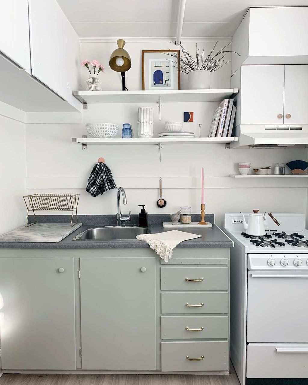 30 Cozy Apartment Kitchen Rental Decor Ideas On A Budget With