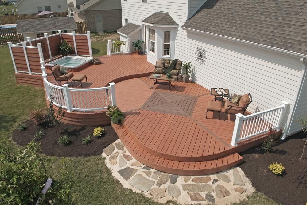 Curved Composite Deck W Hot Tub And Privacy Fence