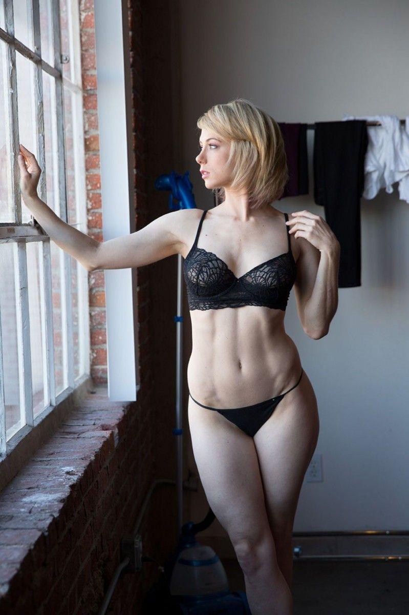 TheFappening Emma Stern nude (29 photos), Sexy, Paparazzi, Feet, underwear 2015