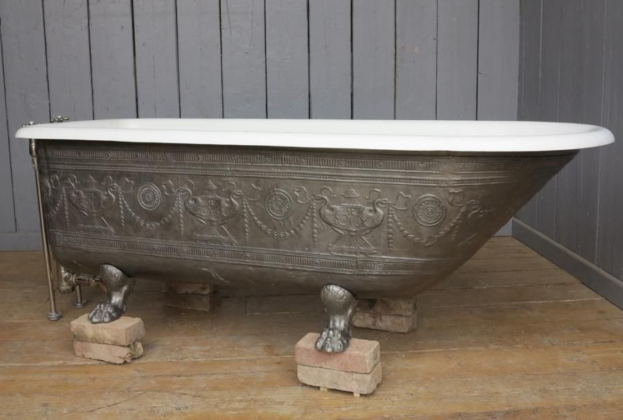 Antique bath for sale on SalvoWEB from UK Architectural Antiques ...