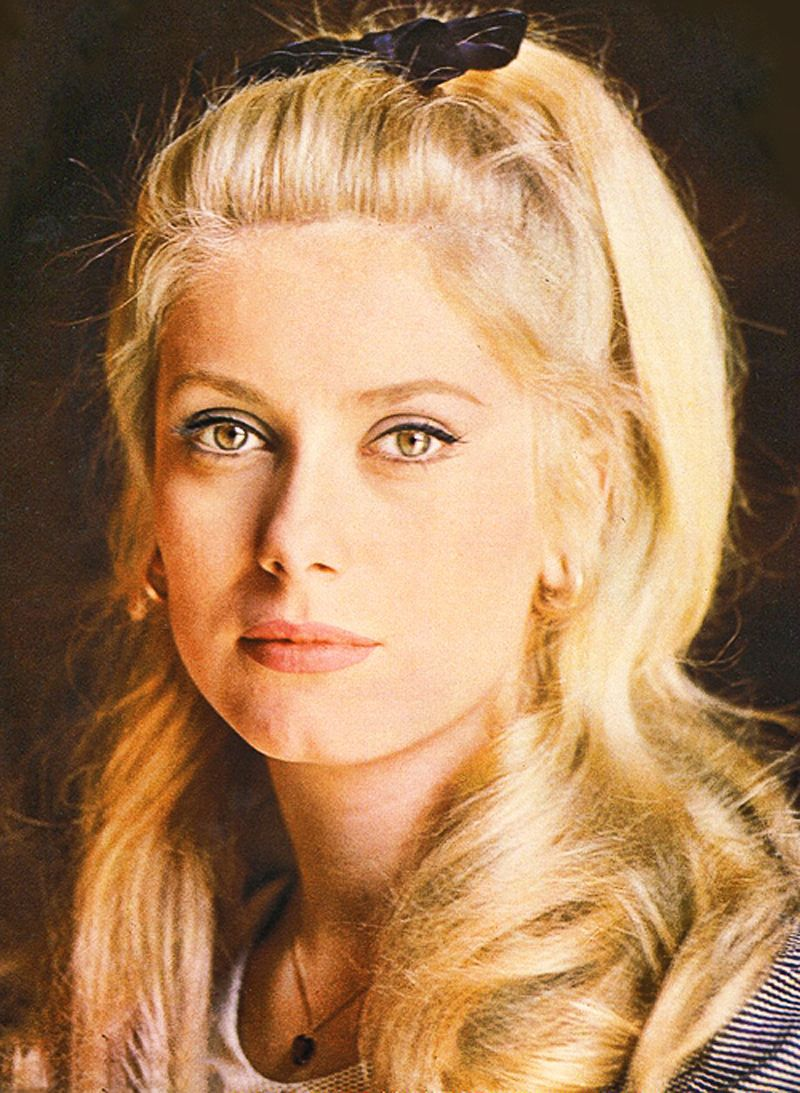 Catherine Deneuve Nude Photos 76
