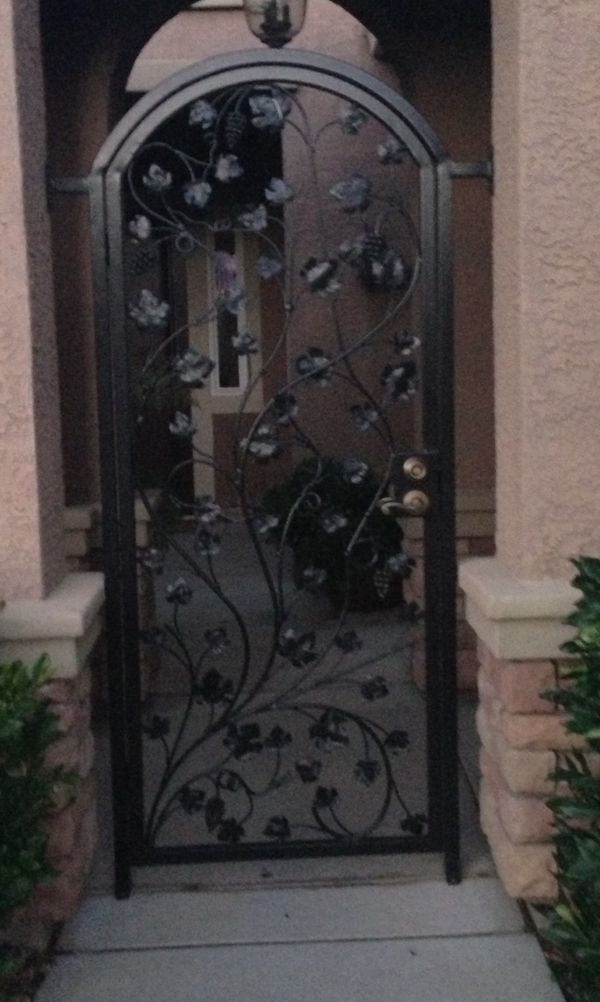 Grapevine Wrought Iron Courtyard Gate Exterior Detailing