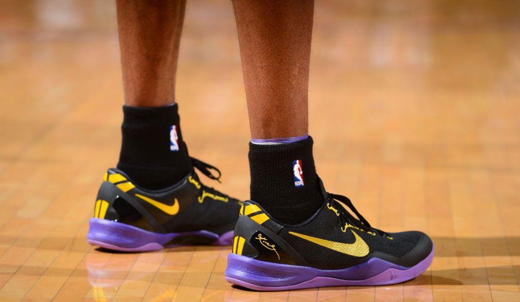 62eb4e6b4b1b Kobe Bryant Passes Wilt Chamberlain On All-Time Scoring List In Nike Kobe 8  System