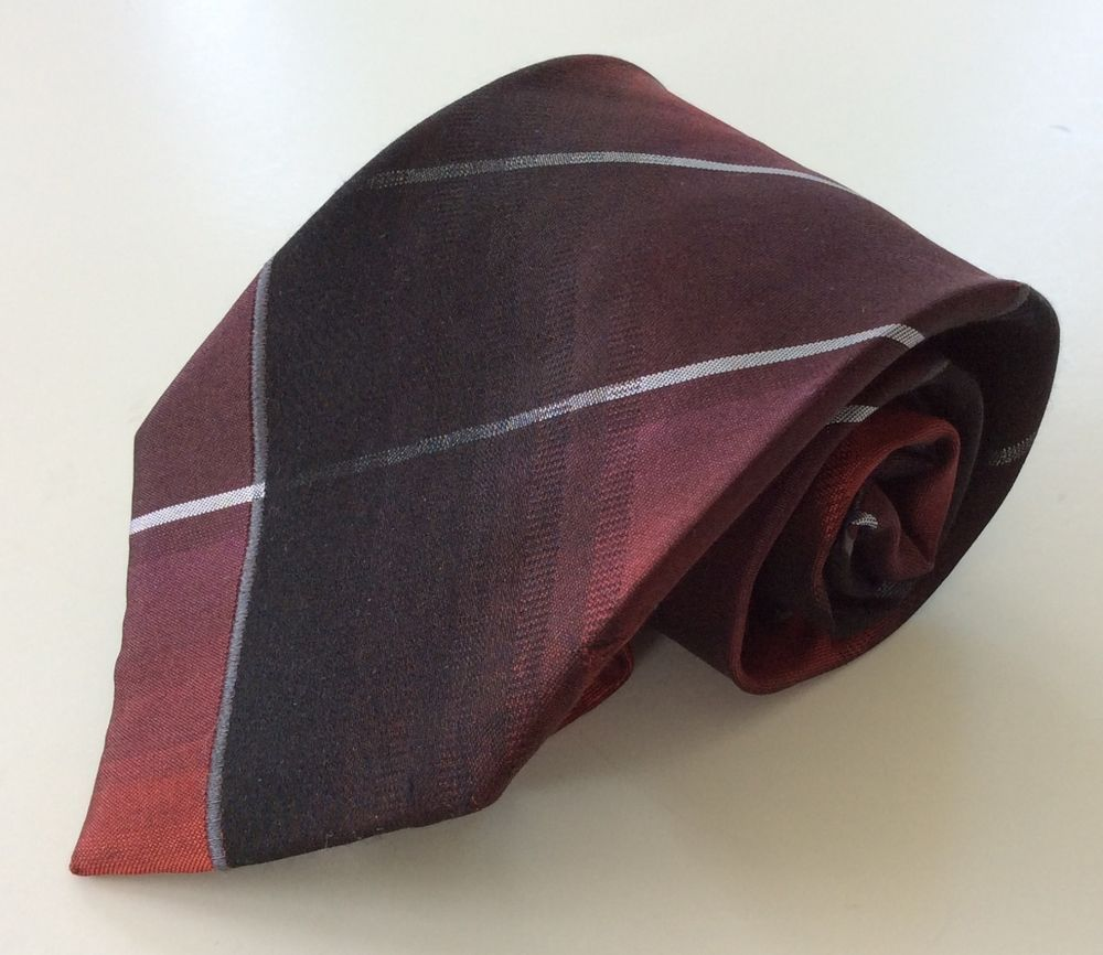 Kenneth Cole Reaction Neck Tie Red Black Silver 100% Silk #KennethColeReaction #NeckTie