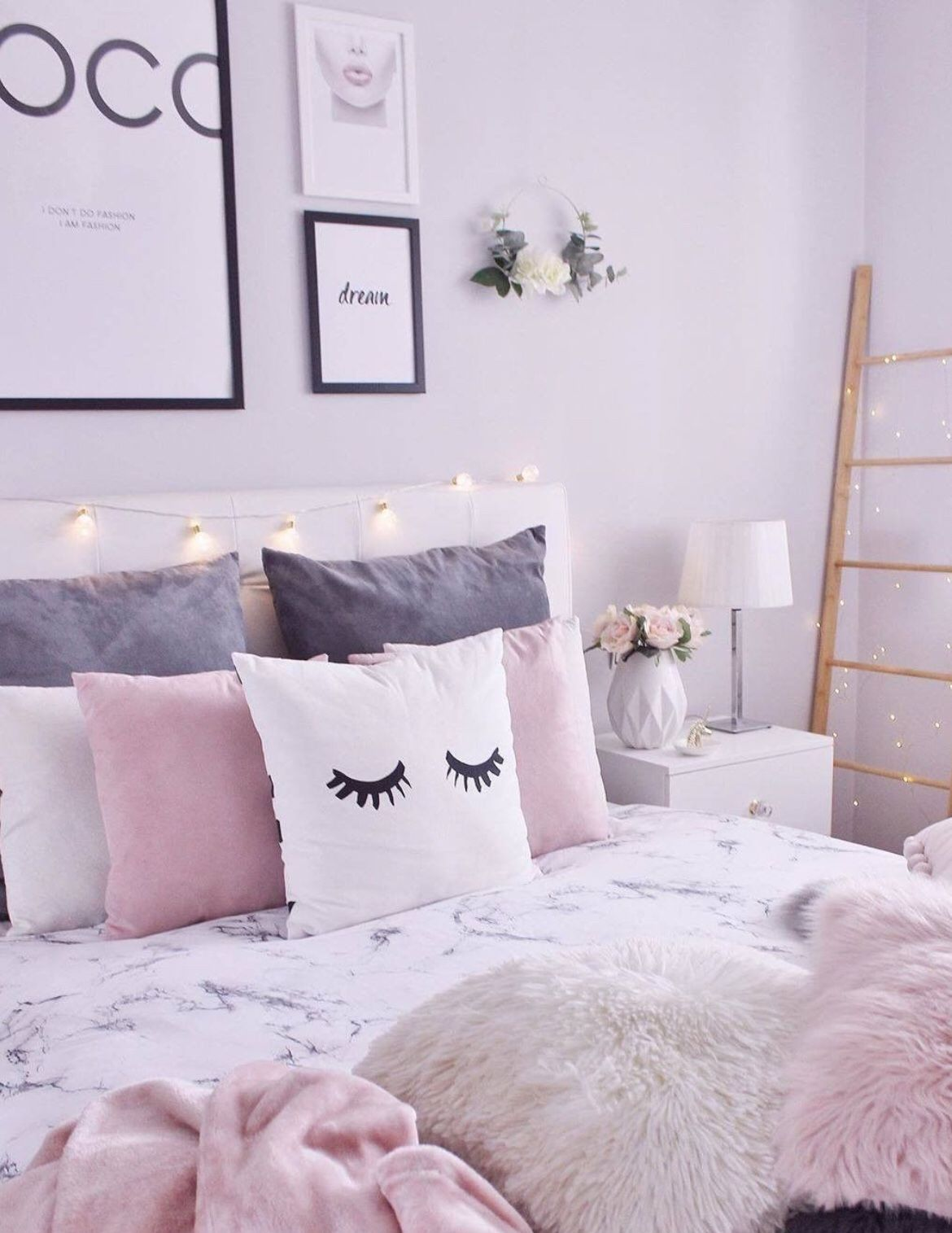40 Aesthetic Room Decors To Add To Your Room In 2021 Aesthetic Room Decor Aesthetic Room Room Decor Bedroom design size 4x6