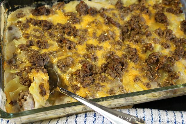 Hamburger Potato Casserole With Lean Ground Beef Sliced Potatoes Onions Cream Of Mushroom Soup Mil Beef Recipes Potatoe Casserole Recipes Casserole Recipes
