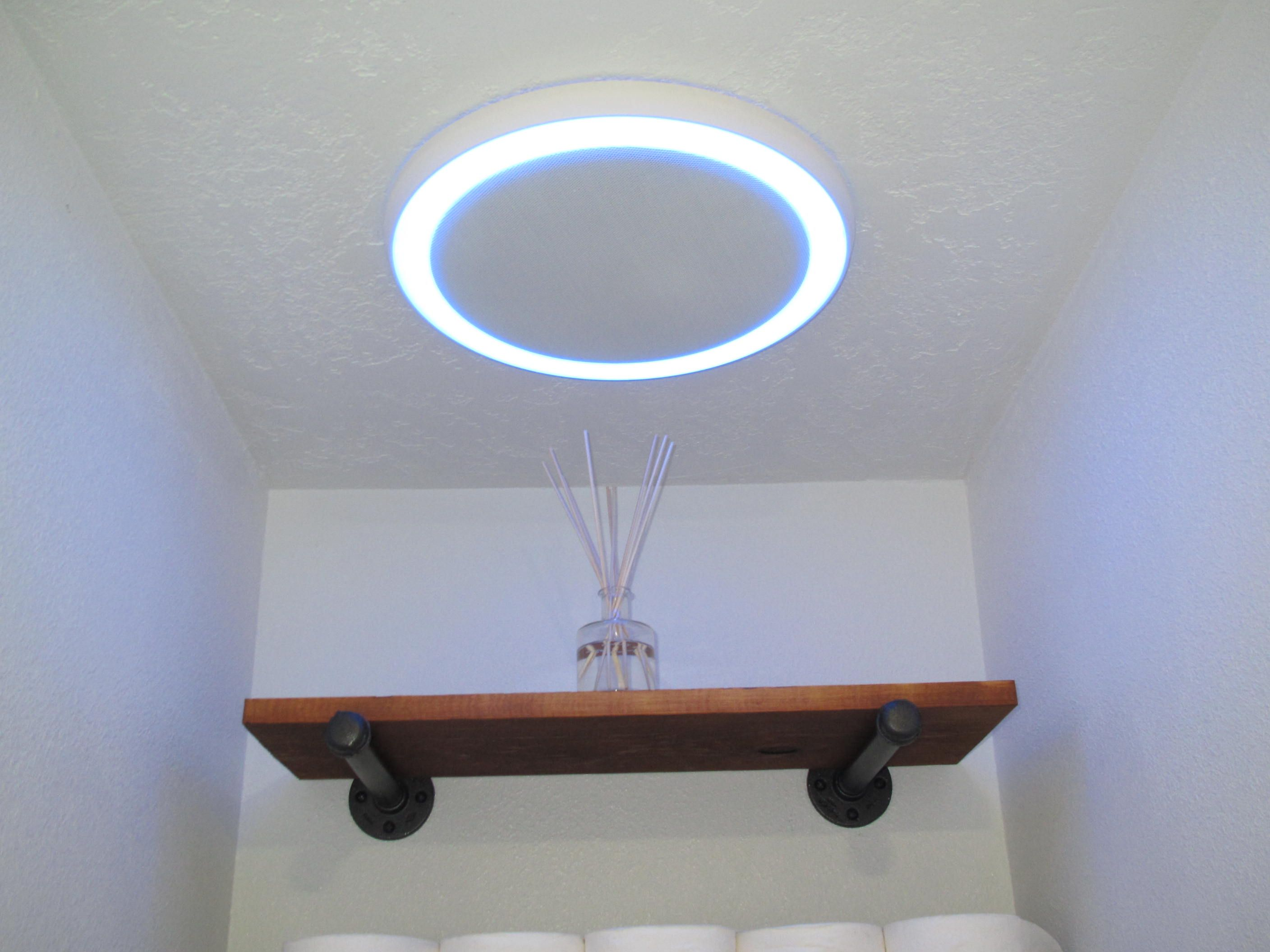 Badkamer Speaker Bluetooth : Bathroom fan w bluetooth speaker light and blue nightlight