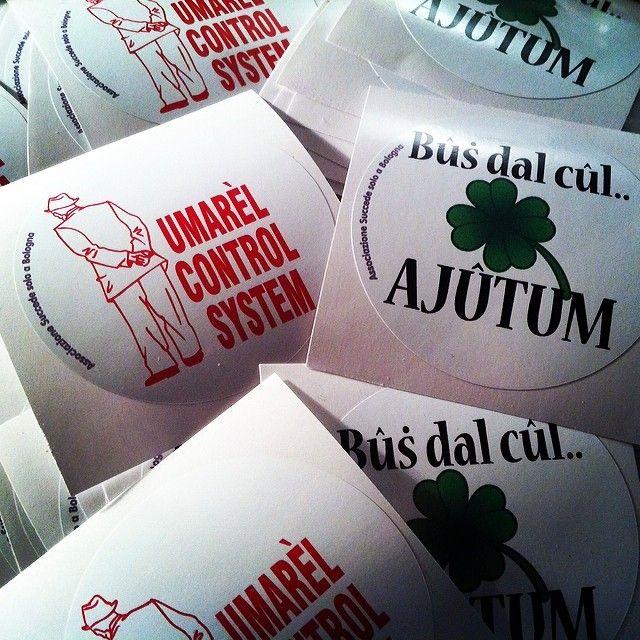 Gli adesivi di Succede Solo a Bologna puoi averli partecipando ai nostri eventi.